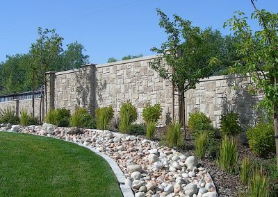 Verti-Crete Prefabricated Concrete Wall - Ashlar 8ft rocks